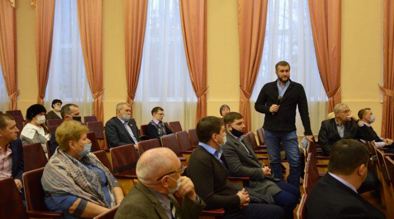 В Алатыре обсудили возможность выборности глав муниципалитетов 17