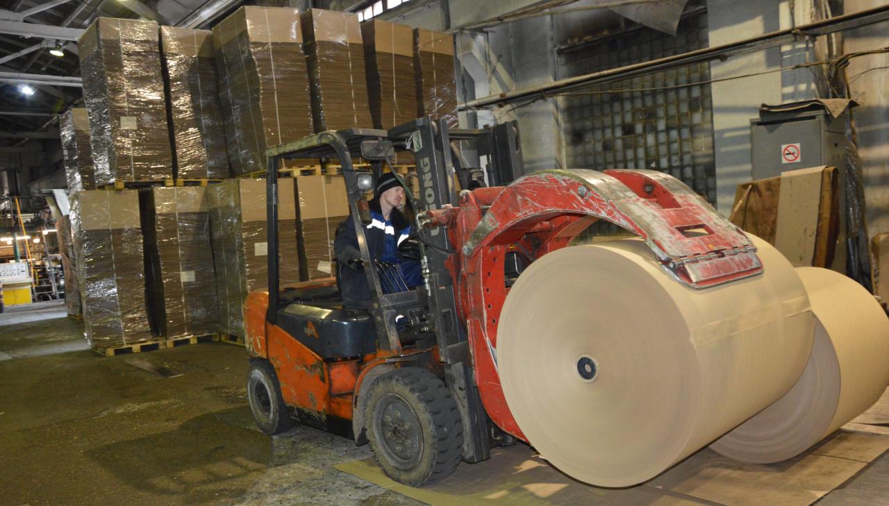 Алатырская бумажная фабрика отмечает свое 55-летие 2