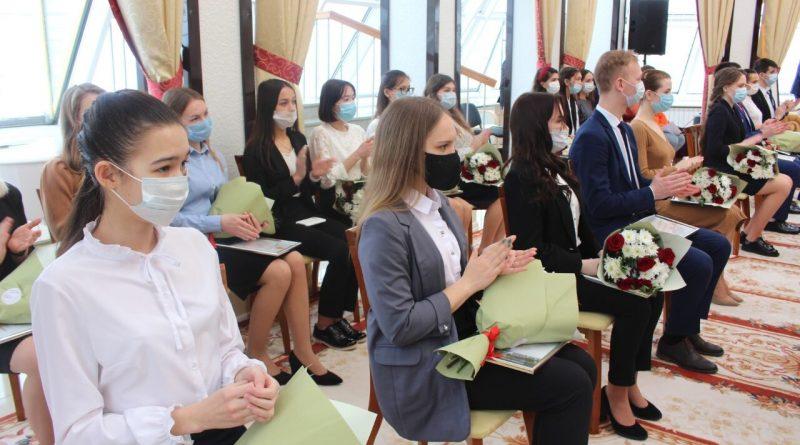 В начале марта стипендиаты Главы Чувашии получат первые выплаты