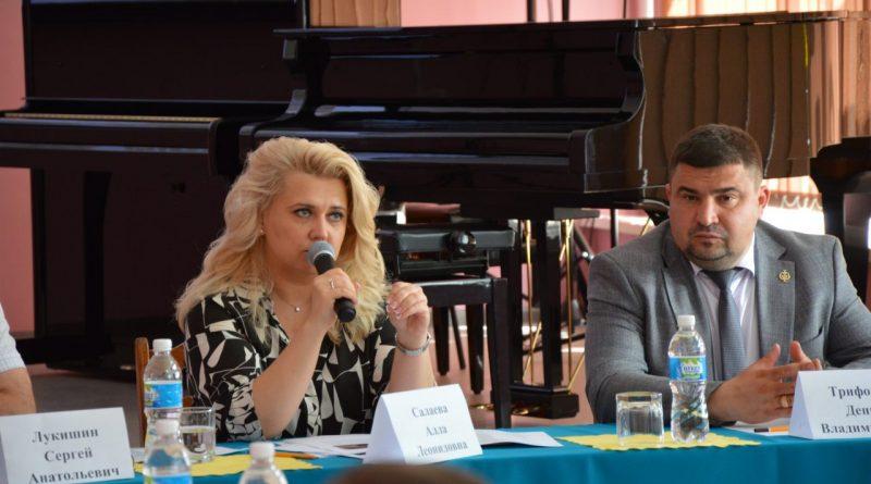 Вопросы развития социальной сферы представительницы Совета женщин города и члены Собрания депутатов обсудили с вице-премьером правительства республики Аллой Салаевой
