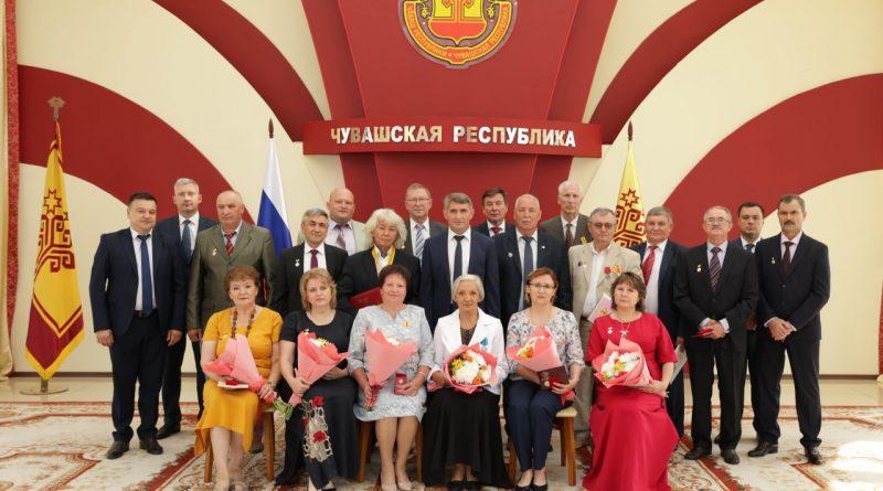 Глава Чувашской Республики Олег Николаев вручил государственные награды