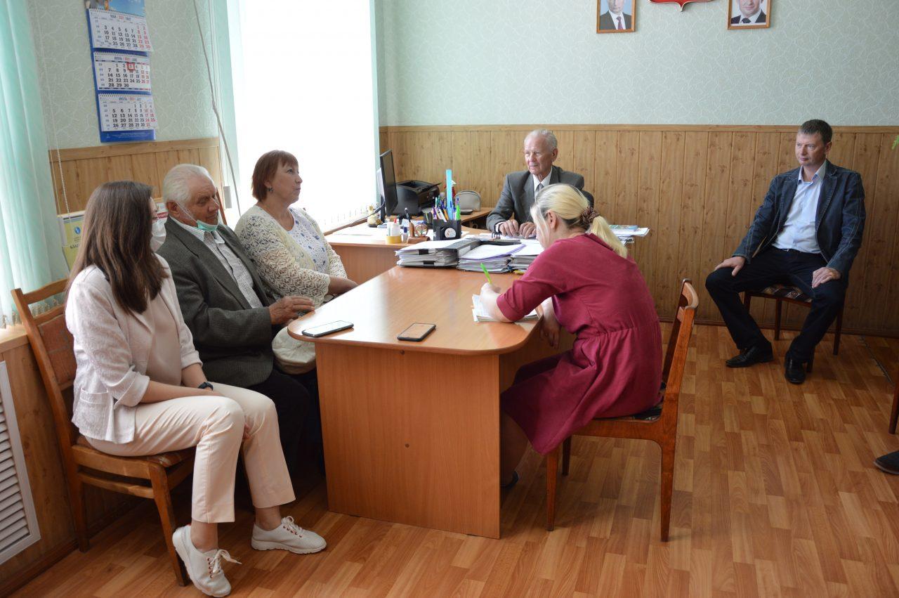 В Алатырском районе состоялось общественное обсуждение по вопросу перевода времени на час вперед 3