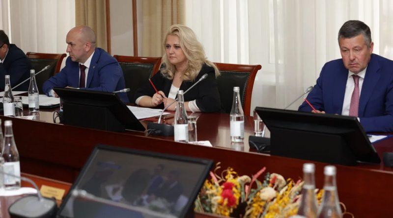 Алла Салаева рассказала о строительстве и модернизации школ и детсадов этим летом